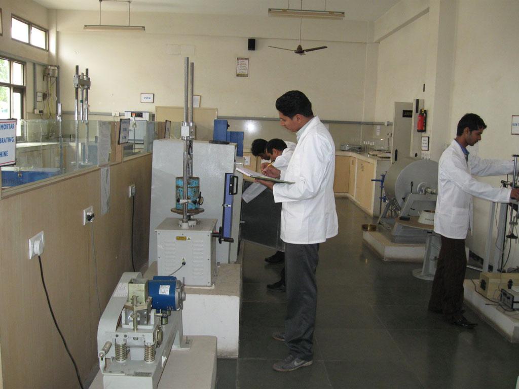 آزمایشگاه خشت آزما