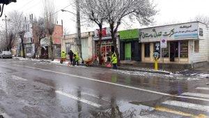 برفروبی و نمکپاشی معابرنمین توسط شهرداری