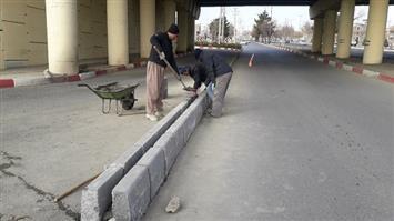 تعویض جداول بلوار پاسداران در مسیر شهرک بهاران