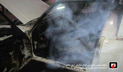 آتش سوزی خودرو در رشت، آسیب جانی نداشت