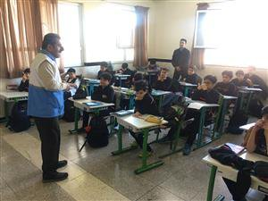انتخاب و همکاری ۱۰۰ « همیار آب » در مدرسه روستایی صفرآباد ساری