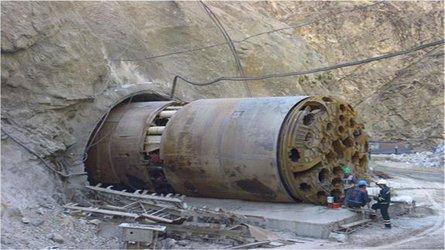 جلسه هم اندیشی بررسی مهندسی ارزش طرح احداث تونل انتقال آب  از محدوده طالقان به استانهای البرز و تهران تشکیل شد.