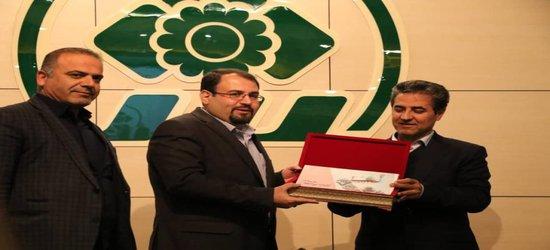 شهردار شیراز لایحه بودجه ۹۸ را تقدیم شورای شهر کرد