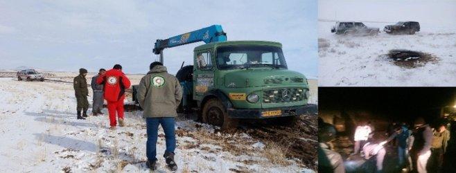 یک دستگاه حفاری غیر مجاز تراکتوری در روستای قشلاق با همکاری محیط بانان توقیف شد.