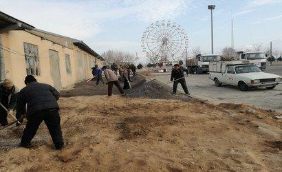 شن ریزی و کف سازی ورودی عزا خانه حضرت زهرا(س)