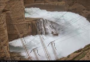 رهاسازی آب سدهای دز و کرخه برای کنترل سیلاب ۶بهمن است