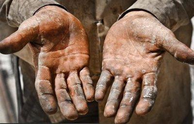 کارگران جز مزد منصفانه چیزی نمیخواهند