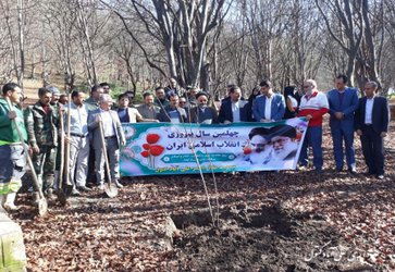 کاشت ۴۰ نهال در پارک جنگلی کبودال با حضور