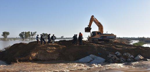 گزارش تصویری از روند  ترمیم و استحکام بخشی سیل بند آلبوعفری دشت آزادگان