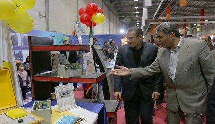 بازدید استاندارزنجان از نمایشگاه دستاوردهای چهل سالگی شرکت توزیع برق استان