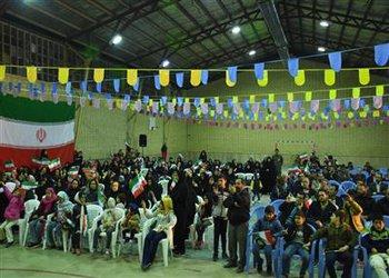 جشن پیروزی انقلاب اسلامی در محله شهدا بروجن برگزار شد