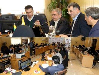 بمناسبت دهه مبارک فجر، نشست خبری مدیران عامل شرکت های  صنعت آب و برق استان با اصحاب رسانه برگزار شد.