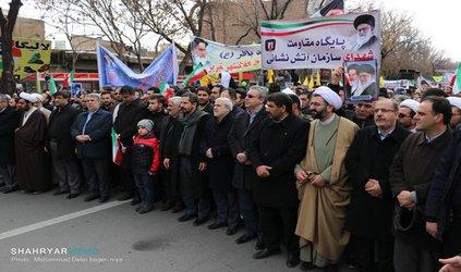 گزارش تصویری : مراسم راه پیمایی  کارکنان شهرداری تبریز در ۲۲ بهمن ۹۷