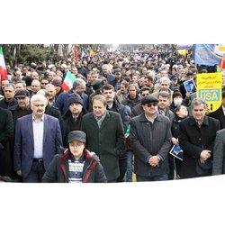 حضور گسترده کارکنان و مدیران صنعت آب و برق آذربایجان شرقی در راهپیمایی ۲۲ بهمن