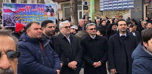 حضور پر شور مردم خوی در راهپیمایی ۲۲ بهمن ماه