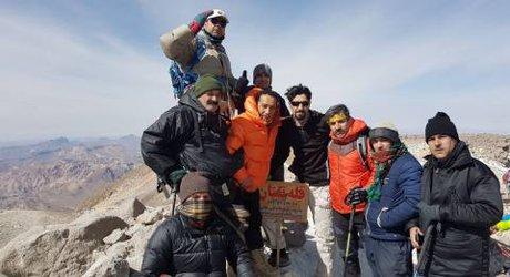 صعود تیم کوهنوردی شهید اعتماد امین شهرداری به قله تفتان