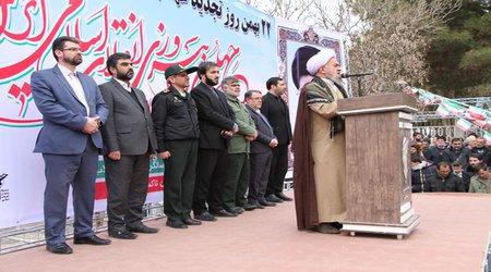 حماسه حضور مردم انقلابی تاکستان در یوم الله ۲۲ بهمن چهلمین سالگرد پیروزی انقلاب اسلامی