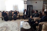 دیدار مهندس شاکری مدیرکل حفاظت محیط زیست استان کرمان با خانواده شهید مسجدی به مناسبت گرامیداشت روز تکریم از مادران و همسران شهدا