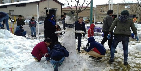 جشنواره ساخت آدم برفی در طالقان برگزار شد