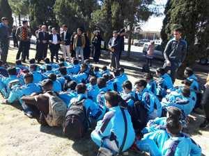 با حضور مهندس مهدلو شهردار زرند تیم رده های سنی مدرسه فوتبال شهرداری زرند عازم مسابقات مدارس فوتبال شدند .