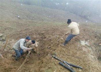 رفع قطعی آب شرب روستای زندانچال مینودشت با تعویض بخشی ازخط انتقال