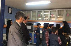 بازدید دانش آموزان مدرسه پیوند مهر از آزمایشگاه امور آبفار کلات