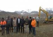 آغاز عملیات آواربرداری و خاک برداری از محل رانش زمین در طالقان