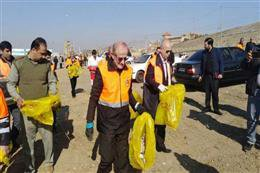 پاکسازی حریم راههای شهرستان دماوند در آستانه سال نو
