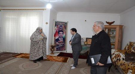 دیدار مدیر امور آب و فاضلاب ارومیه با خانواده شهید اکبری به مناسبت روز بزرگداشت شهدا