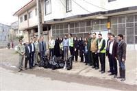 پاکسازی معابر شهری وروستایی لاهیجان در آستانه سال نو
