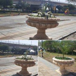 نصب گلدان های زینتی در سطح شهر توسط شهرداری خرمشهر