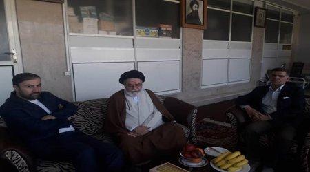 دیدار رییس کمیسیون فرهنگی و اجتماعی شورای شهر با ایتالله حسینیالهاشمی