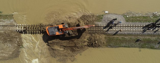 حجم سیلاب اخیر بیش از ظرفیت مخازن سدهای استان بود
