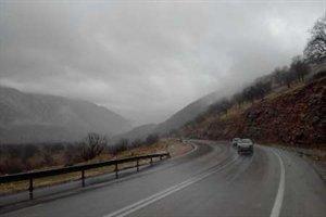 آماده باش اداره کل راه و شهرسازی استان ایلام برای مقابله با حوادث احتمالی ناشی از بارندگی