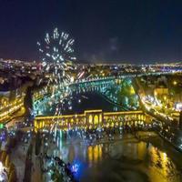 «شبهای روشن و شاد زاینده رود» میزبان شهروندان و مسافران نوروزی