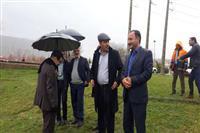 همراهی مدیرکل حفاظت محیط زیست با استاندار استان در بازدید میدانی از پل بشار حین بارش باران به روایت تصویر