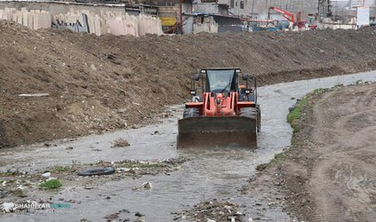 عملیات لایروبی کانال ها و مسیل های تبریز سرعت می گیرد