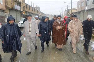 بازدید نماینده ولی فقیه در استان کردستان از برخی محلات سنندج
