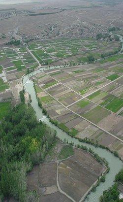 افزایش خروجی سد زاینده رود تا ۲۰ خرداد ماه ادامه دارد