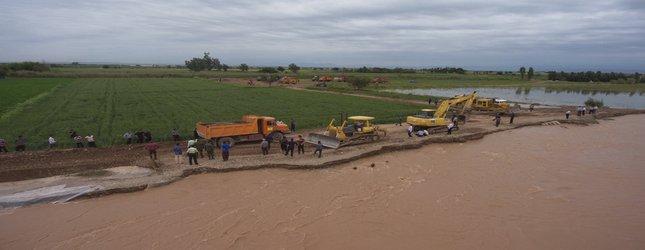 بسیج امکانات شرکت بهره برداری شمال خوزستان برای مناطق سیل زده شمال خوزستان