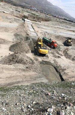 احداث سازه مقسم جریان در ابتدای رودخانه شاه چای شهریار