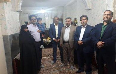 دیدار نوروزی شهردار دامغان با خانواده شهید صرفی