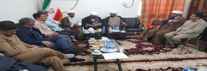 ارائه گزارش خدمات شهردای تهران در مناطق سیل زده استان توسط شهردار خرمشهر در حوزه علمیه