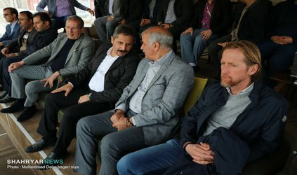 تیم شهرداری، امید فوتبالیستهای جوان و بومی تبریز است/ همت بازیکنان، تیم را در لیگ یک حفظ میکند