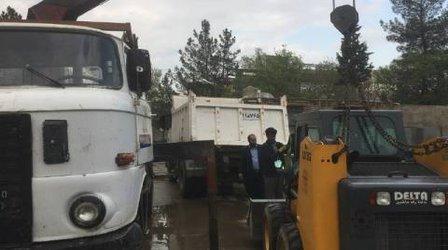 اعزام یک دستگاه مینی لودر به مناطق سیل زده آق قلا در استان گلستان