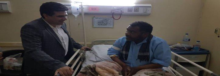 عیادت شهردار خرمشهر از عنایت صحتی شکوه از رزمندگان ۴۵ روز مقاومت خرمشهر
