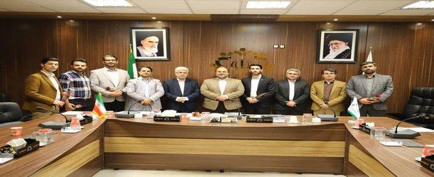 تجلیل از مشاوران جوان کمیسیون عمران و توسعه شهری شورای اسلامی شهر رشت در یکصد و چهل و نهمین جلسه کمیسیون به مناسبت روز جوان