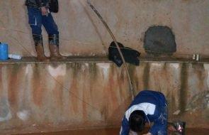 امدادرسانی امور آبفار کلات در تخلیه سیلاب از منازل سطح شهرستان