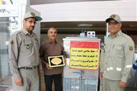 رئیس اداره حفاظت محیط زیست شهرستان انار از رعایت کنندگان مسائل زیست محیطی درحوزه توزیع مواد غذایی تقدیر نمود