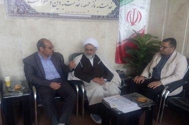 دیدار مسئولان و کارکنان امور آبفا محلات با نماینده ولی فقیه و امام جمعه شهرستان نیم ور